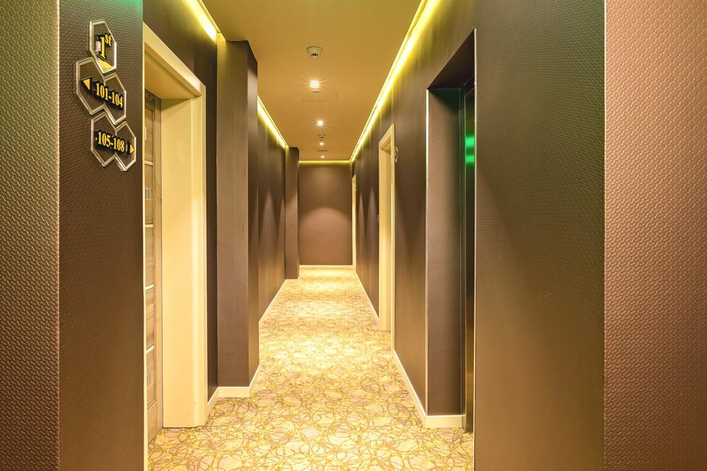 Interior-24